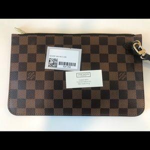 Louis Vuitton Bags - Louis Vuitton clutch